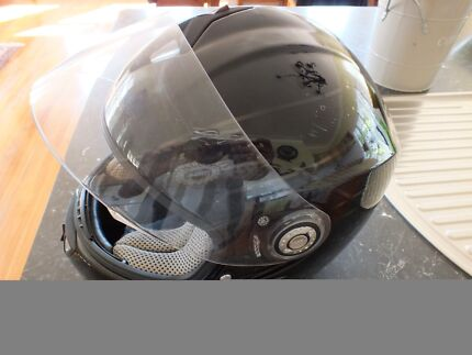 Shark full face helmet Caboolture Caboolture Area Preview