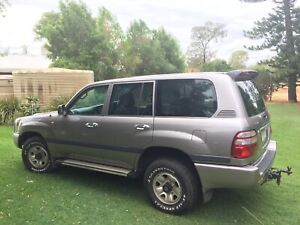 2004 Toyota Land Cruiser GXL