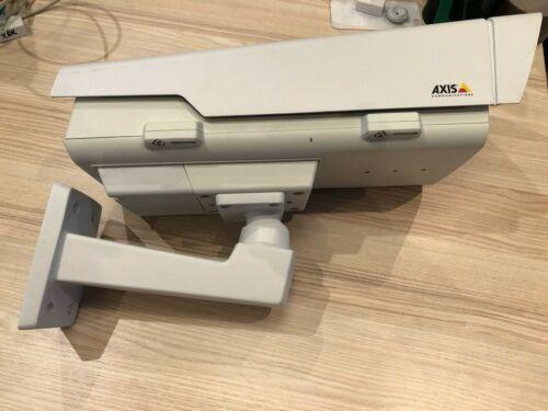 Axis P1364-E HD 720p 50 fps, PoE, lightfinder, zipstream outdoor prof. IP camera