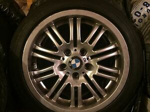 4 Mags BMW pneus run flat, faite moi une offre raisonnable :))
