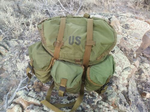 Vintage U.S. Army Field Pack Military Combat OD Green Nylon Rucksack Medium A21