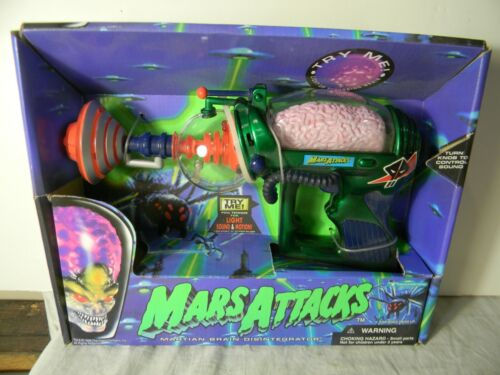 MARS ATTACKS MARTIAN BRAIN DISINTEGRATOR RAY GUN TRENDMASTERS 1996 MINT IN BOX