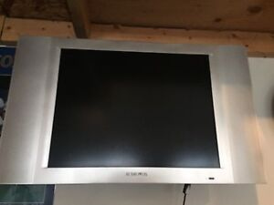 "20"" Audiovox TV and mount"