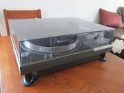Technics Turntable SL 1100