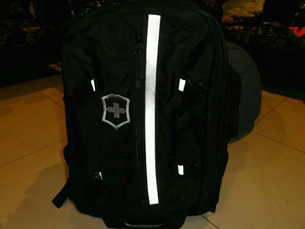 VICTORINOX WHEELED BACKPACK