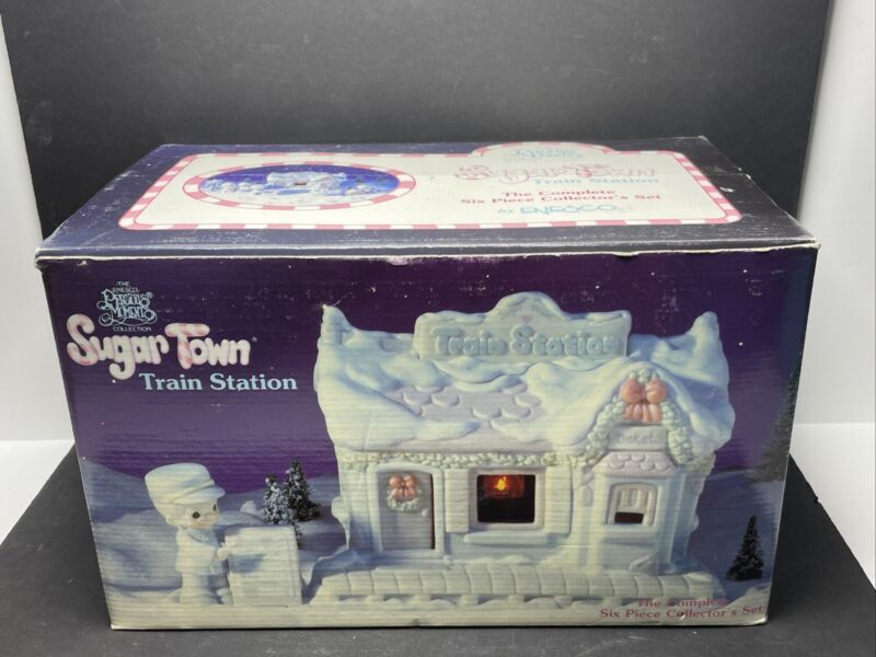 Precious Moments Sugar Town Lighted Train Station Six Piece Set