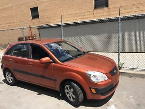 2009 Kia Rio 5, fully loaded with safety and emission (automatic