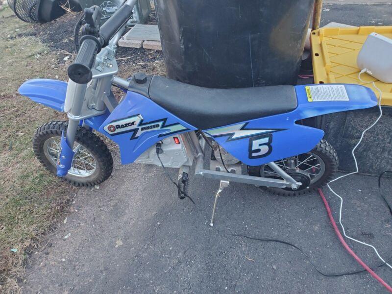Razor MX350 Dirt Rocket Electric Motocross Off-roa
