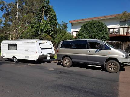 2000 Mitsubishi Delica Van/Minivan 4M40 SWB