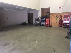 Shared shop/yard space available