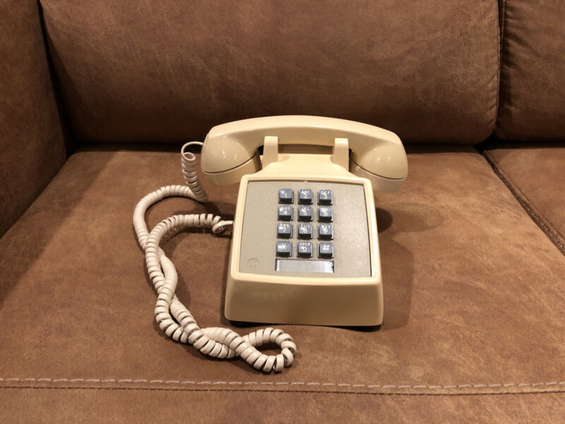 Vintage Bell System Western Electric Telephone Beige Touch Tone Phone