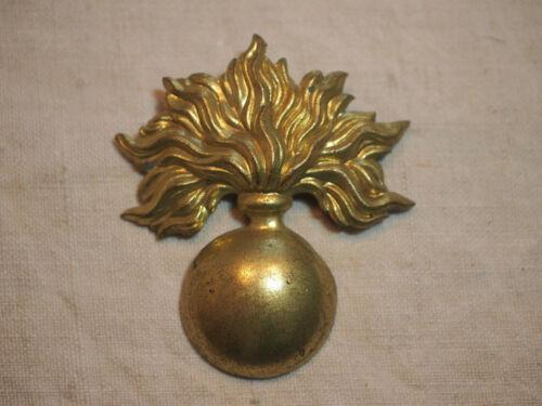 insigne de shako ou de giberne grenade dorée - prêt à monter - excellent état