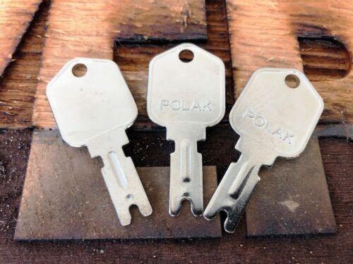 3 KEYS fits FORKLIFT CLARK YALE DAEWOO GRADALL JLG HYSTER CAT SKYTRAC POLAK 166
