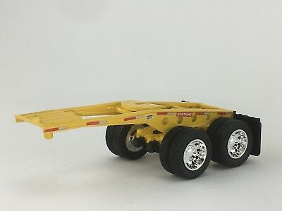 1/64 DCP YELLOW FONTAINE MAGNITUNDE LOWBOY JEEP