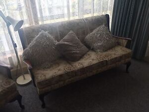 2x single chairs 1 x 3 seater Montrose Glenorchy Area Preview