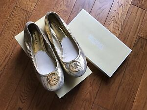Michael Kors size 7,5 gold ballerinas. *** New***