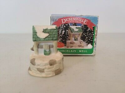 Dickensville Collectibles Noma Porcelain Well Christmas Village w/ Box Vintage