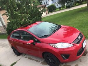 2011 Ford Fiesta SEL manual