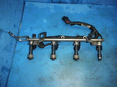 2.4 Chevrolet ecotec engine fuel rail GM 12602478 w/ injectors GM 12602480