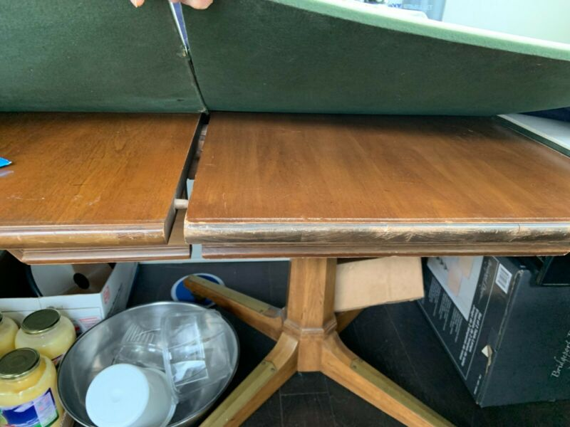 Thomasville Hexagonal Dining Table+4 Fruitwood and Naugahyde leather seats