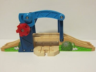 Thomas and Friends Wooden Railway Lifting Bridge Sling Bridge