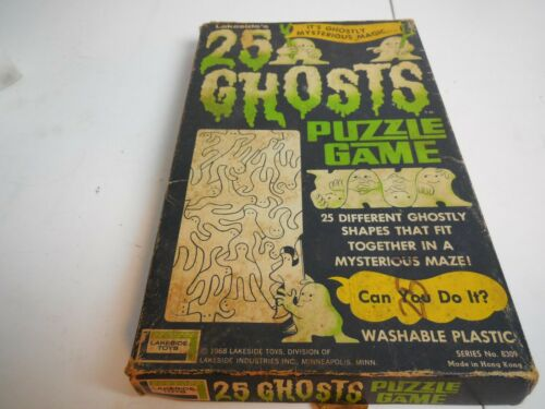 B6 Lakeside 25 Ghosts Puzzle Game Vintage 1968 Plastic Mystery Maze 8309