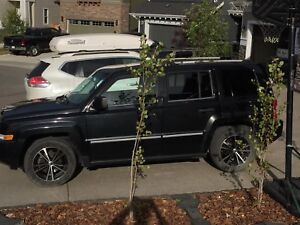 2008 JEEP PATRIOT LIMITED (2nd SET OF TIRES ON RIMS)