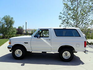 1996-Ford-Bronco-XLT