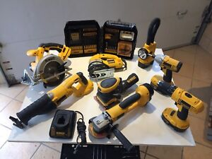 8 piece Dewalt 18 volt power tools