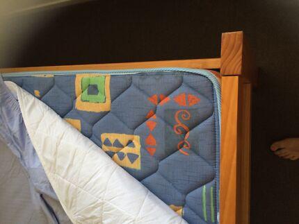 Queen bed/mattress/2x draws  Bracken Ridge Brisbane North East Preview