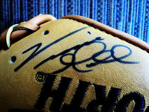 VINCE GILL AUTOGRAPHED CELEBRITY SOFTBALL GLOVE...WILLIAM LEE GOLDEN