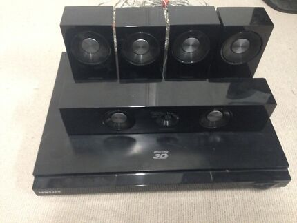 Samsung Blu Ray Player with surround speakers