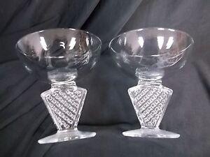 FABULOUS-SET-OF-6-VINTAGE-ART-DECO-SHERBET-OR-CHAMPAGNE-GLASSES-MADE-IN-FRANCE
