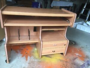 Computer student table for sale