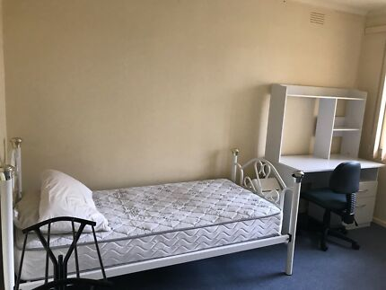 Big Room With Private Bathroom Kitchen In Mount Waverley W - Rooms for rent with private bathroom and kitchen