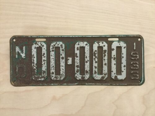 VINTAGE 1933 NORTH DAKOTA SAMPLE LICENSE PLATE