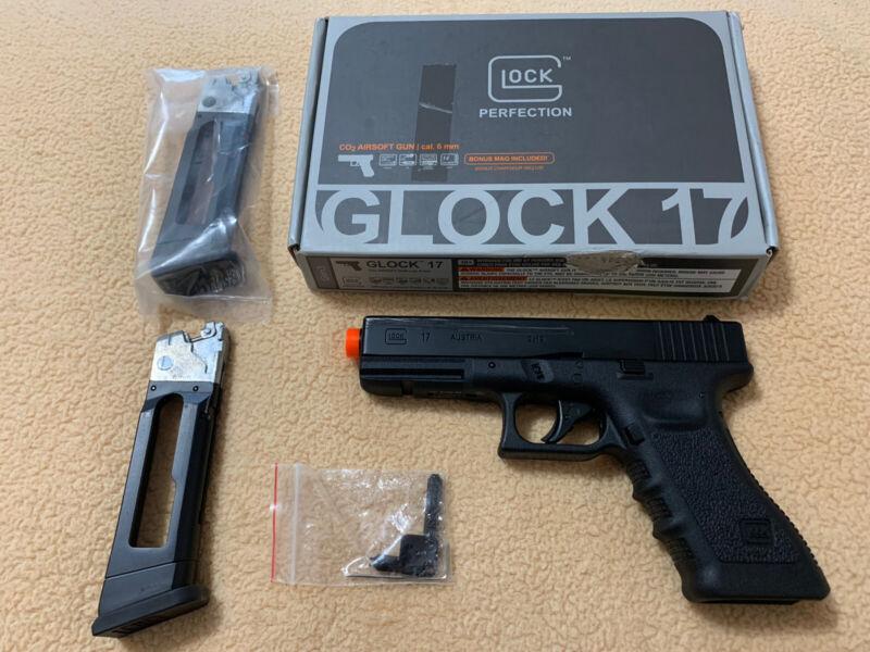 Elite Force Fully Licensed GLOCK 17 Gen.3 CO2 Half-Blowback Airsoft Pistol