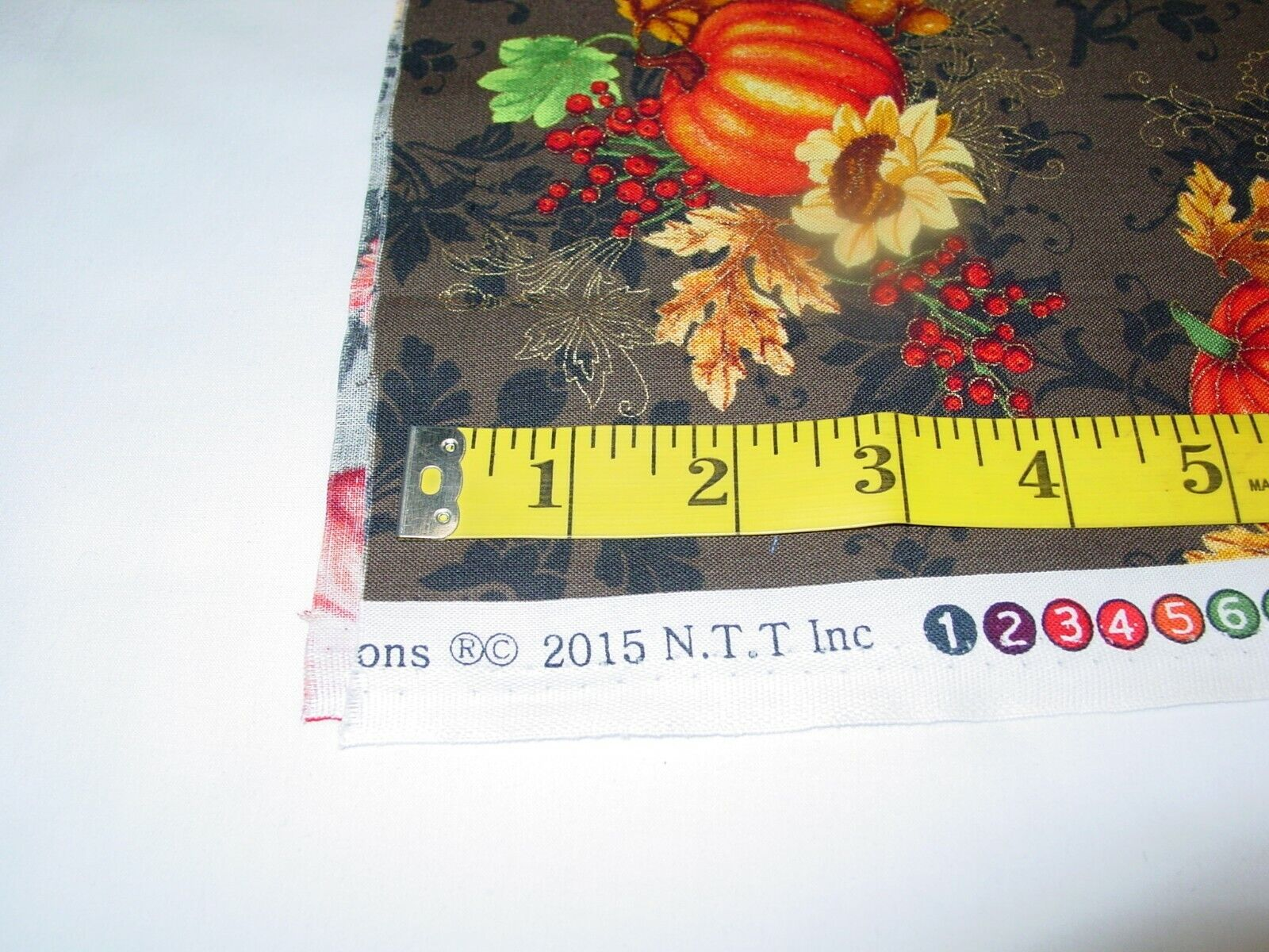 FALL HARVEST BOUNTY BROWN 100 COTTON REMNANT LENGTH 29 X WIDTH 43  - $10.50