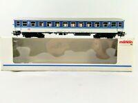 Marklin HO DB Passenger Car 2nd Class blue /& white 4032 NEW #34650//34574