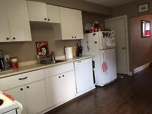Beautiful 3 bed for rent in great location with parking!