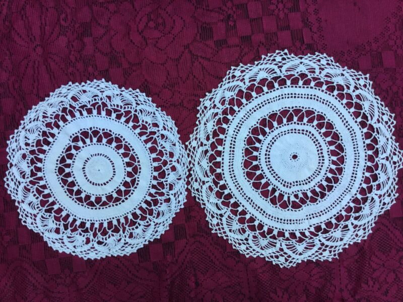 """Set Of 2 Vintage Scalloped Crocheted Round White Doilies Napkins 11"""" And 13"""""""