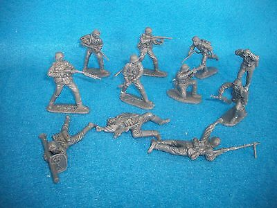 Classic Toy Soldiers German Assault Team 11 figures in 1/32 scale