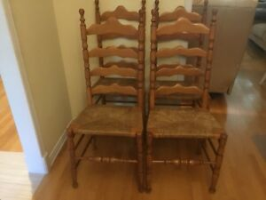 4 chaises antique en bois / 4 wood chairs vintage