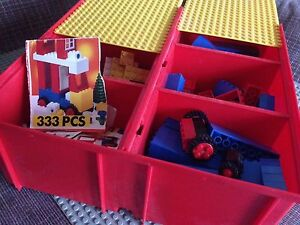 Lego set with Carrying Case older 333 pieces