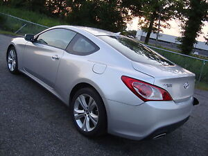 2010-Hyundai-Genesis-Coupe-V6-Automatic-Leather-ONLY-36k-Miles
