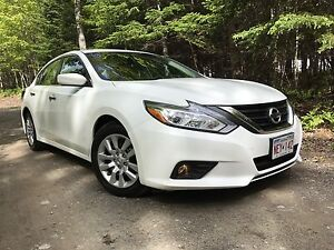 2016 Nissan Altima 2.5 Automatic $49.Wk. $16,300.00!!!