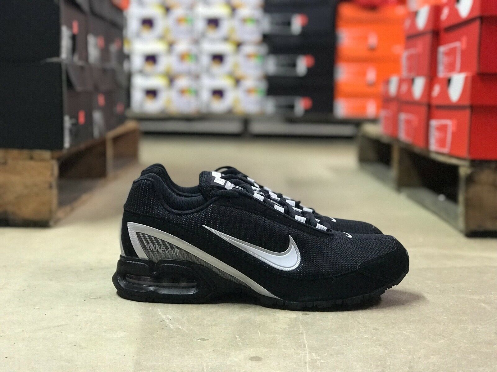 Nike Air Max Torch 3 Mens Running Shoes BlackWhite 319116 011 NEW All Sizes
