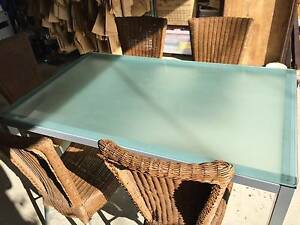 Stunning 5 Seater Frosted Glass Dinning Table Arncliffe Rockdale Area Preview