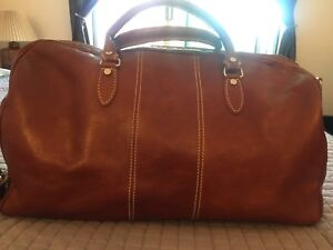ITALIAN LEATHER TRAVEL BAG - NEW, USED ONCE
