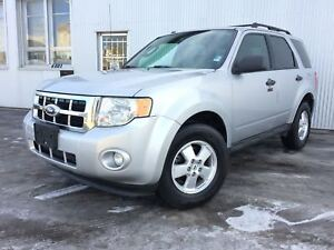 2012 Ford Escape XLT, 4X4, LEATHER. SUNROOF.